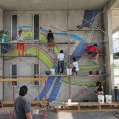 MOSAICO MURAL: Paredes de estilo  por MOSAICO CONTEMPORANEO