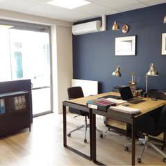 Oh, les beaux bureaux !: Bureaux de style  par UN AMOUR DE MAISON