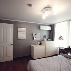 [홈라떼] 양평동 32평 아파트 전세집 홈스타일링 : homelatte의  침실
