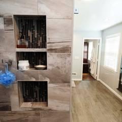 Phòng tắm by Lux Design Associates