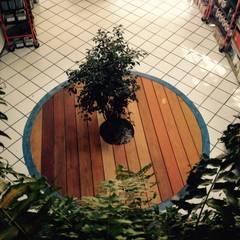 Deck: Sucursal Zihuatanejo : Espacios comerciales de estilo  por Click Diseño y Acabados S.A. de C.V.