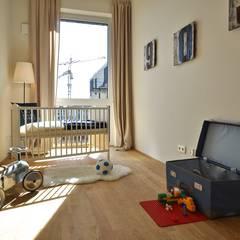 Maritim und männlich: industriale Kinderzimmer von Karin Armbrust - Home Staging