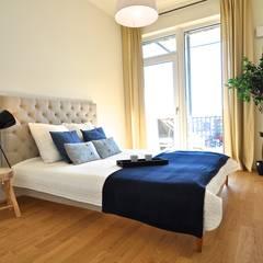 Maritim und männlich:  Schlafzimmer von Karin Armbrust - Home Staging