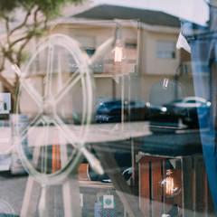 LA STORE_vila do conde_2016 Espaços comerciais minimalistas por PFS-arquitectura Minimalista