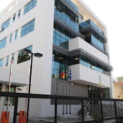 Ministério Público Federal de Caxias do Sul: Centros de congressos  por Dalle Molle & Raphalski Engenheiros Associados