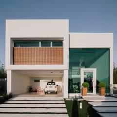 Casa 9: Casas minimalistas por Rafael Grantham Arquitetura