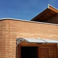 Projeto Casa Sustentável Portas e janelas rústicas por EKOa Empreendimentos Sustentáveis Rústico