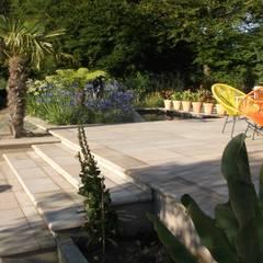 A Nice Garden in Hale:  Garden by Charlesworth Design