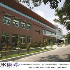 京悅設計 - 成霖集團企業總部Globe UNION Industrial Corp.第一集:  辦公大樓 by 京悅室內裝修設計工程(有)公司|真水空間建築設計居研所