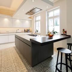 Offene Küche:  Küche von Klocke Möbelwerkstätte GmbH