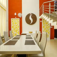 Feel Beauty of Richness..:  Dining room by Premdas Krishna