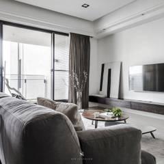 Salas de estilo asiático por 理絲室內設計有限公司 Ris Interior Design Co., Ltd.