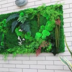 JARDÍN VERTICAL DE INTERIOR: Jardines de estilo  de TERESA JARA - ESTUDIO DE PAISAJISMO