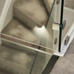 Glass Staircase:  Corridor & hallway by Jigsaw Interior Architecture