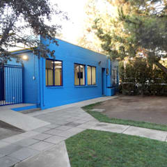 REMODELACION COLEGIO ALAMIRO, modulo 1 OTEC: Escuelas de estilo  por CREARCO