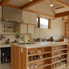 Kitchen by 田村建築設計工房