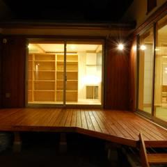 まちの家: 田村建築設計工房が手掛けたベランダです。