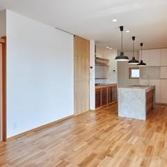 HouseK1: 一級建築士事務所 ima建築設計室が手掛けたキッチンです。