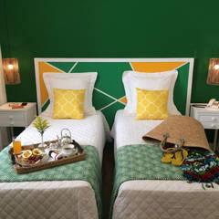 Quarto Verde: Hotéis  por Jean de Just design de interiores