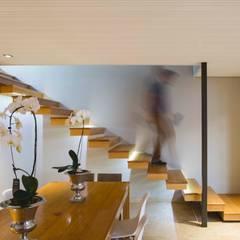 House Hoffman:  Corridor & hallway by Swart & Associates Architects,