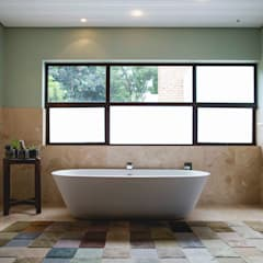 House Hoffman:  Bathroom by Swart & Associates Architects
