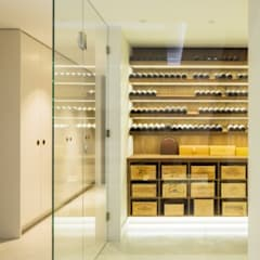 Wine cellar:  Wine cellar by Fraher Architects Ltd