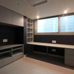 잠실 엘스 아파트 인테리어 이사전_ 33py : 홍예디자인의  방