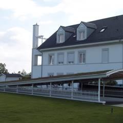 Überdachte Wege ...:  Hotels von ARKUS International AG
