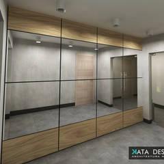 Corridor & hallway by Kata Design,