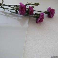 Konglomerat kwarcowy Vega - antykowany: styl , w kategorii Centra wystawowe zaprojektowany przez GRANMAR Borowa Góra - granit, marmur, konglomerat kwarcowy