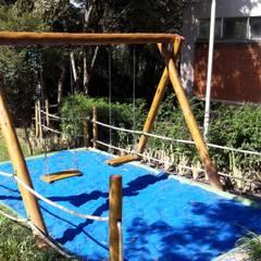 Balanço: Escolas  por Maplay Equipamento para Recreação