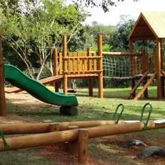 Parque: Escolas  por Maplay Equipamento para Recreação