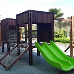 Casa cubica: Escolas  por Maplay Equipamento para Recreação