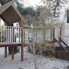 Barco + Casa com ponte: Escolas  por Maplay Equipamento para Recreação
