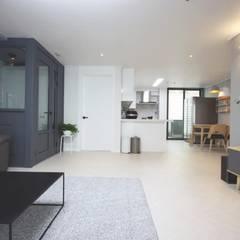 Living room by homelatte, Modern