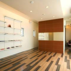 2F洋室1: 株式会社青空設計が手掛けたオフィススペース&店です。