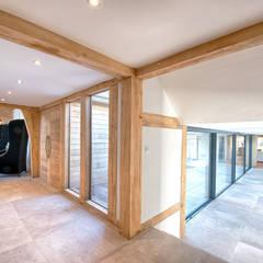 Forty Farm:  Corridor & hallway by Smarta