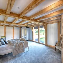 Forty Farm:  Bedroom by Smarta