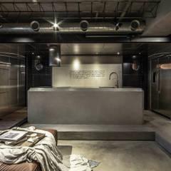 Living room by 璧川設計有限公司