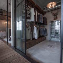 璧川設計有限公司:  tarz Giyinme Odası