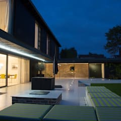 Millbrook House:  Terrace by Smarta