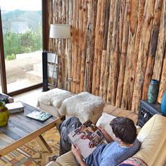 Casa Vichuquén: Livings de estilo  por AtelierStudio