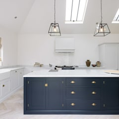 The Coach House Kitchen by deVOL :  Kitchen by deVOL Kitchens