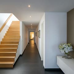 راهرو by Gaus & Knödler Architekten