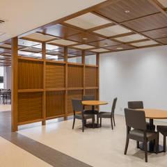 森の中の老人ホーム: 株式会社小木野貴光アトリエ 級建築士事務所が手掛けた和室です。,北欧