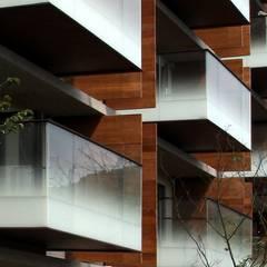 菩方田:  窗戶 by 黃宏輝建築師事務所