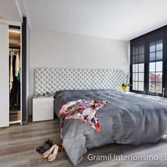 Phòng ngủ by Gramil Interiorismo II - Decoradores y diseñadores de interiores