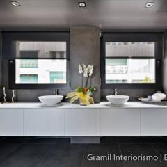 Vivienda en Sant Just: Baños de estilo  de Gramil Interiorismo II - Decoradores y diseñadores de interiores