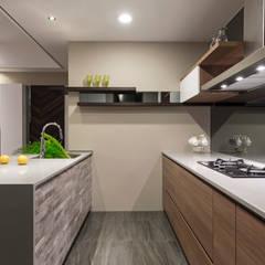 eclectic Kitchen by 賀澤室內設計 HOZO_interior_design