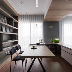 اتاق کار و درس by 賀澤室內設計 HOZO_interior_design